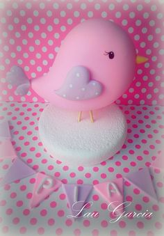 Pajarito bautismo. porcelana fria. Creaciones Laura Garcia Crafts To Sell, Diy And Crafts, Crafts For Kids, Kids Party Decorations, Party Themes, Biscuit, Baby Shawer, Fondant Toppers, Polymer Clay Charms