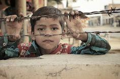 Humanassociation: Jsme jen loutky?