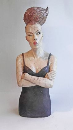 Wicked Thoughts - Mélanie's work focuses on the human being. She creates figurative sculptures in a contemporary yet offbeat style, oscillating between realism and fantasy.