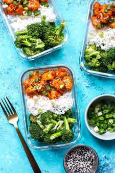 Honey Sriracha Chicken Meal Prep Bowls - The Girl on Bloor Vegetarian Meal Prep, Lunch Meal Prep, Meal Prep Bowls, Easy Meal Prep, Healthy Meal Prep, Healthy Snacks, Vegetarian Recipes, Easy Meals, Healthy Eating
