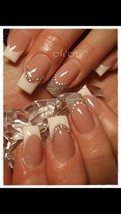 35 Splendid French Manicure Designs: Classic Nail Art Jazzed Up French Nails Fancy Nails, Trendy Nails, Classy Nails, Simple Nails, Blue Nails, Glitter Nails, Silver Glitter, Silver Ring, Glitter Art