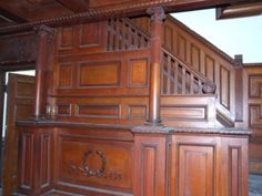 Victorian woodwork and paint -- brooklyn history Copper House, Victorian Homes, Vintage Homes, Healthy Filling Snacks, Walkabout, Modern Boho, Living Room Sofa, Home Decor Bedroom, Wood Paneling