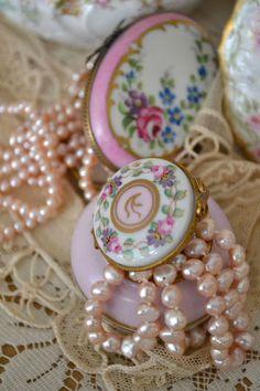 Jennelise: Pretty Little Things