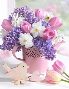 Broadly, there are 3 styles of arrangements in the sphere of floral arrangements. A paper flower bouquet can be produced by arranging the colorful flowers in distinct patterns. It isn't necessary that you should have to opt for a fancy flower box. Beautiful Flower Arrangements, My Flower, Flower Art, Floral Arrangements, Beautiful Flowers, Wood Flower Box, Flower Boxes, Deco Floral, Arte Floral