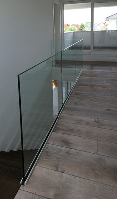 Treppe Ammann stairs - cantilever stairs WANTED: Green Thumbs. Glass Stairs, Stone Stairs, Glass Railing, Cantilever Stairs, Staircase Railings, Railing Design, Staircase Design, Railing Ideas, Gallery Wall Staircase