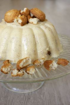 Een familieklassieker: Griesmeelpudding met bitterkoekjes. Deze keer gemaakt met amandelmelk voor een lactosevrije variant. Creme, Deserts, Pudding, Ice Cream, Vegan, Trifles, Recipes, Food, No Churn Ice Cream