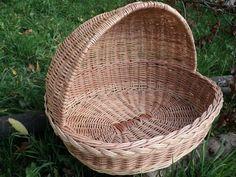 Start Your Trip Together By Using A Solvit Dog Bike Trailer Paper Weaving, Weaving Art, Bamboo Weaving, Basket Weaving, Pet Beds, Dog Bed, Dog Bike Carrier, Dog Bike Trailer, Cat Noises