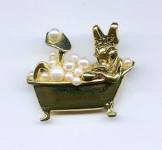 Vtg Napier Disney Daisy Duck Bubble Bath Faux Pearl Gold Tone Brooch Pin  #Napier