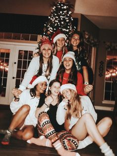 See more of christmastimee's VSCO. Best Friend Pictures, Bff Pictures, Friend Photos, Cute Photos, Bff Pics, Present Christmas, Christmas Treats, Christmas Games, Christmas Cookies