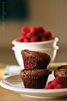 Babeczki czekoladowe (brownies) z malinami