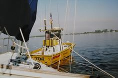 Have you ever spent the night aground?  We've done it a couple of times.  Here's the story of the first time (chartering a sailboat our first time by ourselves)... things we learned.  commuterCRUISER.com