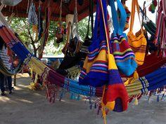 Bolsos Guajiros, llenos de color y nuestros. #Venezuela #Viajar #Conocer