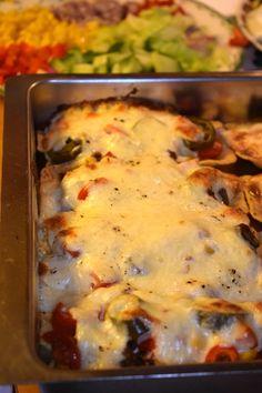 Fajitas, Lasagna, Tacos, Food And Drink, Chicken, Ethnic Recipes, Buffalo Chicken, Lasagne, Rooster