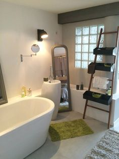 Home Staging, Corner Bathtub, Decoration, Sweet Home, Bathroom, Type 1, Facebook, Places, Photos