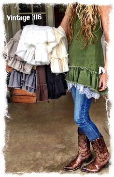 Linen Tunic Ruffles – by Vintage 316 – – Linen Tunic Ruffles – by Vintage 316 – – Boho Outfits, Pretty Outfits, Fashion Outfits, Estilo Folk, Mode Cool, Romantic Outfit, Altered Couture, Linen Tunic, Boho Fashion