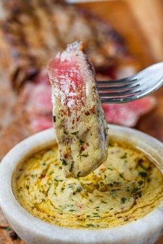 Butter Dipping Sauce Cowboy Butter Dipping Sauce - This garlic butter dipping sauce is the bomb!Cowboy Butter Dipping Sauce - This garlic butter dipping sauce is the bomb! Marinade Sauce, Marinade For Steak, Bbq Steak, Steak Fajitas, Chicken Bites, Homemade Sauce, Semi Homemade, Homemade Butter, Chutneys