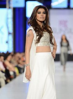 Feeha Jamshed Collection at PFDC Sunsilk Fashion Week Day 2    Spring/Summer Collection at PFDC Sunsilk Fashion Week 2013 Day 2, fashion designerFeeha Jamshedoutlin