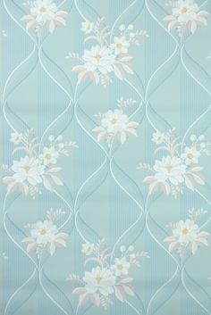 vintage wallpaper, would be so pretty on the whole wall. Love it!