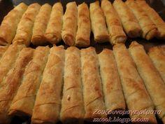 Υλικά: Σπιτικά φύλλα ή χοντρά της αγοράς Για τη γέμιση πατάτας, 2 μέτριες πατάτες, 1 φρέσκο κρεμμυδάκι, τυρί τριμμένο φέτα, μαιδανό, αλάτι και πιπέρι μαύρο και κόκκινο. Βράζουμε τις πατάτες τις καθαρίζουμε και τις πατάμε με ένα πιρούνι, προσθέτουμε το κρεμμυδάκι, το τυρί, το μαιδανό και το αλάτι με τα πιπέρια..  Για τη γέμιση [...] Yogurt Recipes, Sweets Recipes, Greek Recipes, Desert Recipes, Desserts, Greek Cooking, Easy Cooking, Cooking Recipes, Food Network Recipes