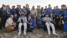 Après plus de six mois passés dans l'espace, à 400km en orbite autour de la Terre, l'astronaute français Thomas Pesquet et le commandant russe Oleg Novitski achèvent vendredi leur mission à bord de la Station spatiale internationale.