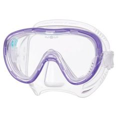 The M1002 Tina Mask is the latest design to come from Freedom Technology. It is a low profile 1-window mask which includes a crystal accent and accessory dock f