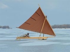 gaff stern steerer Iceboat [Archive] - The WoodenBoat Forum Char A Voile, Boat Girl, Small Sailboats, Boat Projects, Cool Boats, Yacht Boat, Roof Deck, Wooden Boats, Catamaran