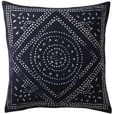 Serena & Lily Camille Diamond Medallion Pillow Cover (21 KWD) ❤ liked on Polyvore featuring home, home decor, throw pillows, pillows, decor, fillers, medallion throw pillows, patterned throw pillows, diamond home decor and indigo throw pillows
