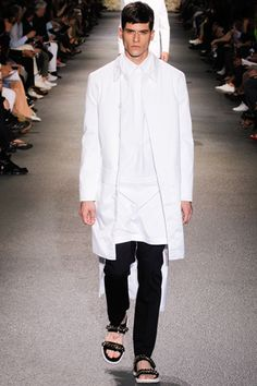 Blanc. Givenchy SS2013