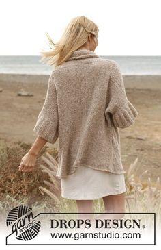 "Knitted DROPS jacket in ""Alpaca Bouclé"". Size: S - XXXL. ~ DROPS Design"
