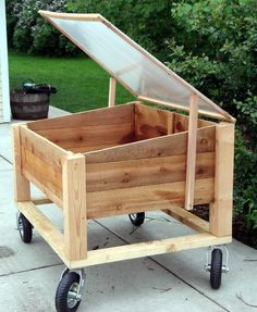 If space is an issue the answer is to use garden boxes. In this article we will show you how all about making raised garden boxes the easy way. We all want to make our gardens look beautiful and more appealing. Potager Palettes, Garden Planter Boxes, Greenhouse Plans, Cheap Greenhouse, Backyard Greenhouse, Diy Mini Greenhouse, Portable Greenhouse, Raised Garden Beds, Garden Planning