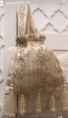 Indian Accessories, Wedding Accessories, Bag Accessories, Beaded Purses, Beaded Bags, Vintage Purses, Vintage Bags, Free Printable Sewing Patterns, Bridesmaid Bags