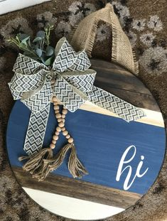 Newest Images Wood navy/beaded door hanger Thoughts Your individual door hanger Sure, the classic is obviously the door pendant, by which on the leading Wooden Door Signs, Wooden Door Hangers, Wood Doors, Rustic Doors, Do It Yourself Organization, Wood Circles, Cute Crafts, Diy Crafts, Reno