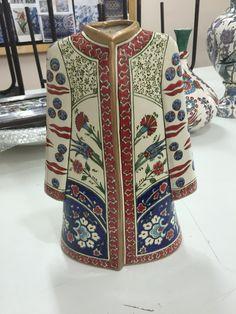 Afet Günaydın çini Pottery Plates, Traditional Art, Creative Art, Digital Prints, Textiles, Clay, Ottoman Empire, Istanbul, Fabric
