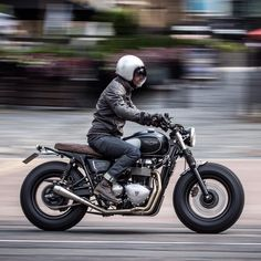 caferacersofinstagram: Dutch from @bikeshedmc out prowling the streets of London his Triumph Bonneville by @downandoutcaferacers. #croig #caferacersofinstagram