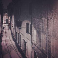 Modena's streets drawn by snow - Instagram by @framala76