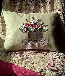 Úžitkový textil - vankúš ,,háčkovaná kytica,, - 5875796_