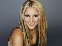 Shakira Pictures and biography HQ Pictures ) www. Celebrity Smiles, Celebrity Photos, Celebrity News, Hottest Female Celebrities, Famous Celebrities, Celebrities Fashion, Side Bangs Hairstyles, Girl Hairstyles, Shakira 2014