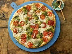 Flammkuchen mit Tomaten & Mozzarella