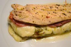 Een van onze favorieten: kipfilet gevuld met parmaham, mozzarella en pesto.