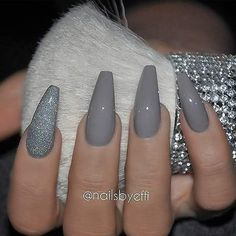 REPOST - - - - Long Grey Coffin Nails with Glitter Accent - - - - Picture and Nail Design by nailsbyeffi her for Grey Nail Designs, Acrylic Nail Designs, Art Designs, Coffin Nail Designs, Stylish Nails, Trendy Nails, Grey Acrylic Nails, Matte Gray Nails, Glitter Accent Nails