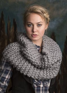 Free Knitting Pattern for Rendezvous Cowl - Easy fast cowl knit flat in garter stitch with super bulky yarn. Inspired by Claire's cowl in Outlander.
