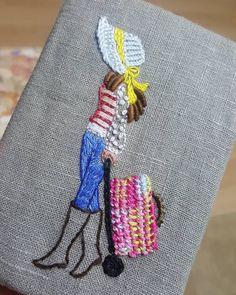 "32 Likes, 1 Comments - 제이 (@handmade_love_j) on Instagram: ""#프랑스자수 #서양자수 #바느질그램 #스티치 #바느질 #핸드메이드 #DIY #자수 #입체자수 #handmade #embroidery #퀼트 #선보넷 #그리고바늘이야기 #페브릭…"""