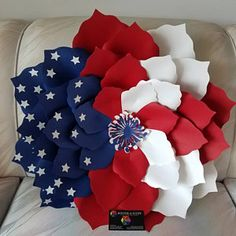 Nancy Greer added a photo of their purchase Paper Flower Patterns, Paper Flowers Craft, Paper Flower Backdrop, Giant Paper Flowers, Flower Crafts, Silk Flowers, Fourth Of July Decor, 4th Of July Decorations, 4th Of July Wreath