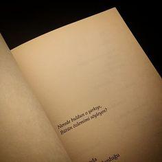 Ne  re  de.    #oruçaruoba #kesikesintiler #kitap #şiir