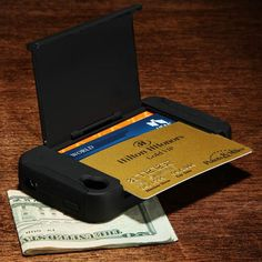 Stowaway iPhone Wallet Case    30  cool, handy and essential gadgets for the frequent traveller
