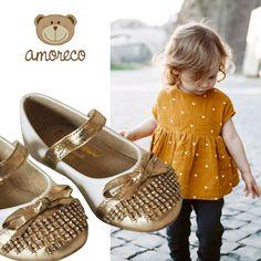 Amoreco para os amorzinhos da mamãe. Confira na Adoro Presentes vários modelos de sapatinhos para seu bebê abrir um sorrisão! #Sapatinhos #crianças #amoreco #baby #children #luxo #moda #infantil #Sapatilha