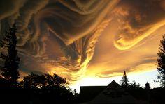 Asperatus sky over Hanmer Springs, South Island New Zealand. (  © Merrick Davies.