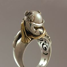 TWO BEAUTIES silver & 14k gold Pearl ring di WingedLion su Etsy
