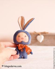 """Авторская игрушка """"Заяц-сердцеед"""".."""