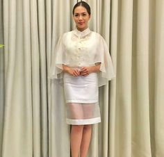 New Wedding Gown 2018 Philippines Ideas Barong Tagalog For Women, Modern Filipiniana Gown, Filipino Fashion, Grad Dresses, Wedding Dresses, Traditional Dresses, Ball Gowns, Evening Dresses, Runway Fashion